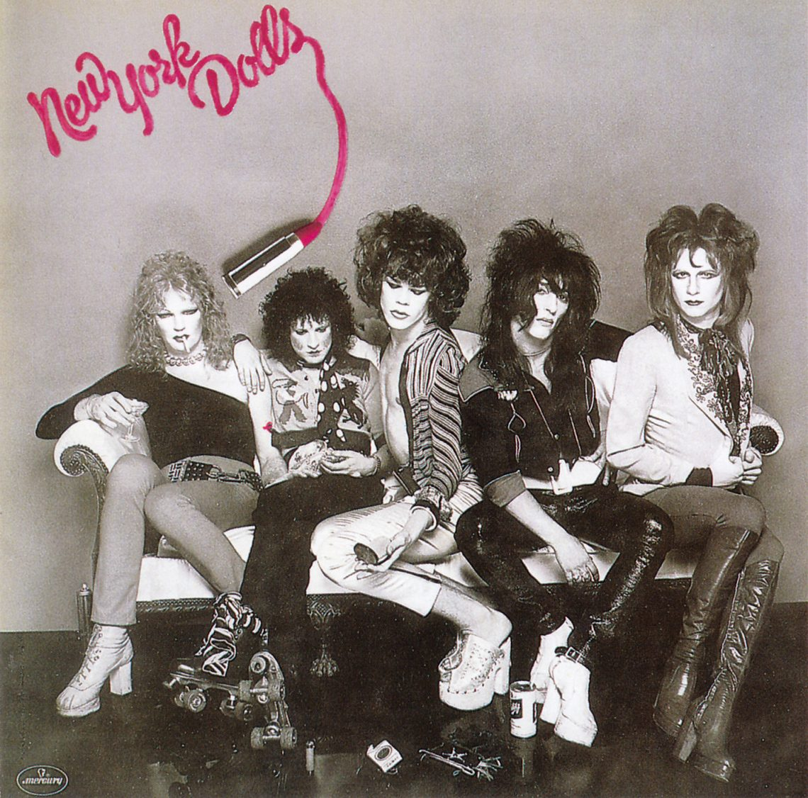 http://www.thesenseofdoubt.com/wp-content/uploads/2014/01/new_york_dolls_-_1973_new_york_dolls.jpg